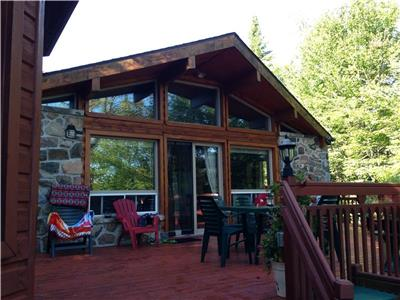 Lakefront Cottage for rent on Lac Notre Dame