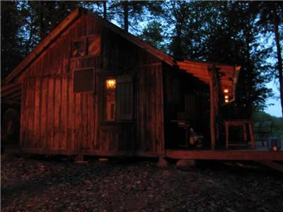 Rustic Retreat Off-Grid Wilderness Cabin in North Kawartha Woods, 2.5 hr. drive from Toronto