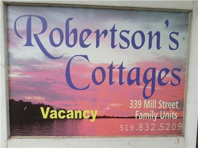 Port Elgin Ontario, Robertsons Cottages