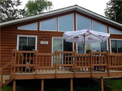 Mikey Big Fish Cottage-3 bedroom with fully equipped kitchen, central air/heat, cable, wi-fi, BBQ.
