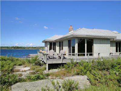 5-Bedrm, Family-Friendly Cottage Surrounded by Water with Beautiful Views