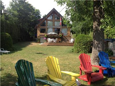 * SIMCOE SUNRISE -  UPSCALE COTTAGING ON LAKE SIMCOE