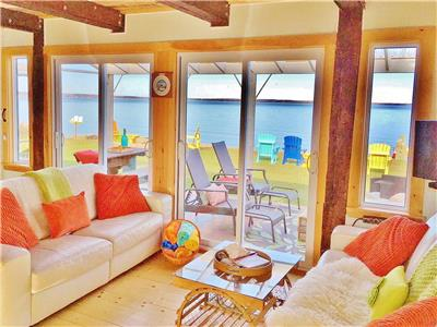 BEACHFRONT 2 LEVEL COTTAGE+BUNKIE - WARM SWIMS, SANDBARS & SUNSETS! LOCAL LOBSTER SEASON JUNE DEAL!