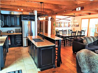 Luxury on Falls Lake, Nova Scotia: Large family spaces, stunning lake views (20 min. to Ski Martock)
