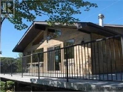 Beautiful Cottage:Incredible Views & Close to Toronto