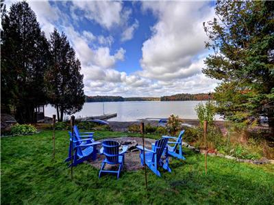 Mallard Beach - private beach shoreline on large lake!  4 bed, 4 bath, spacious open concept!
