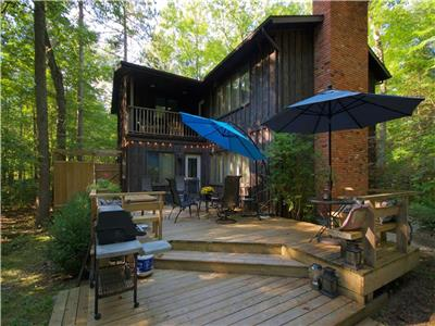 Shoreline Woods: Beach Vacations don't get any better! Southcott Pines, Grand Bend!