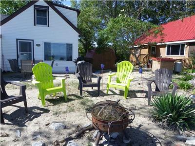 East Beach Escape - Private beachfront cottage on Pelee Island