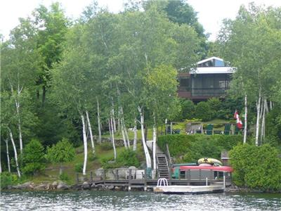 Sharbot Lake Cottage. Fully equipped,  3-Bedrm Viceroy. Pristine waterfront and stunning views!
