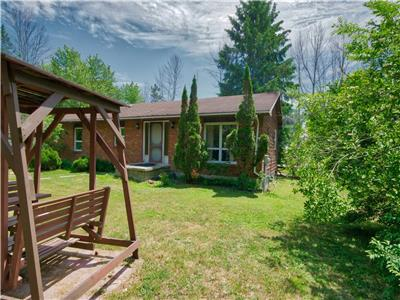 Huron Hideaway Grand Bend- Private, yet close to everything!