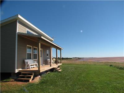 Red Cape Cottage - Cozy, quaint, comfortable - Right on the sea!