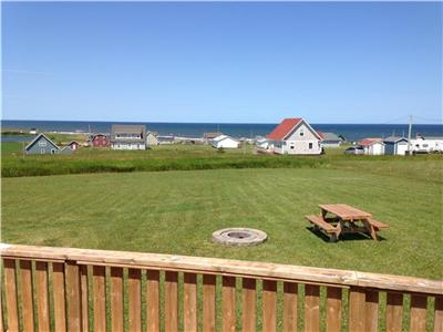 BUELL'S BEACH HOUSE at picturesque Cousins Shore, PEI