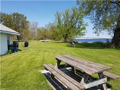 RUSTIC LIVING BY BAY QUINTE