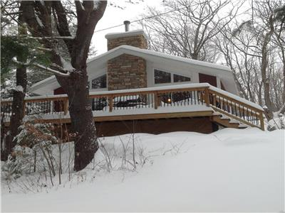 Cherry Tree Cottage, 30 min from Ottawa---McGregor Lake---Val des Monts