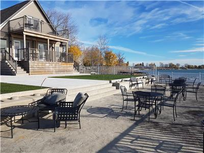 Luxury Lake House waterfront vacation property (Early Bird Special) $100 off regular weekly rate