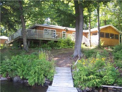 Sought after Lorimer Lake, 3 bedroom Main Cottage plus 2 bedroom Guest Cottage