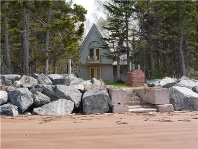 Victorian Dejavu Cottage - Beachfront - Canada Select 4 Star - Secluded - Total Rejuvenation!