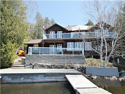 Rankin Cedars - F392 lovely Post & Beam cottage on spring fed Rankin Lake near Parry Sound