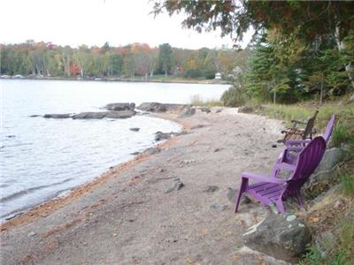 Lakefront rental cottage,sandy beach.Great for kids,families.Clean spring fed lake.Bass/Trout Fishin