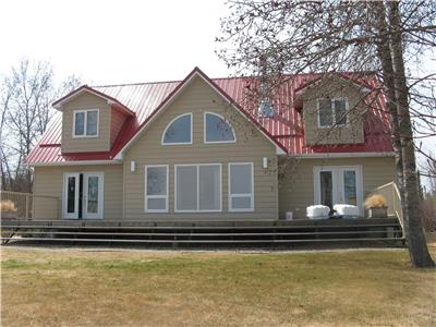 3 bedroom plus guest suite house/cabin at Clearwater Lake, Manitoba