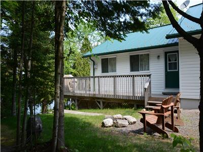 Waterfront Cottage on Beautiful Lake Manitouwabing.