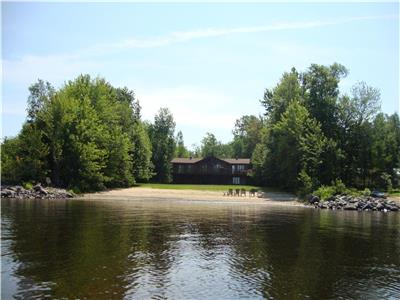 SHEENBORO 3,400 SQ FT WATERFRONT HOME ON 1 ACRE LOT WITH 150 FT OF FRONTAGE ON THE OTTAWA RIVER