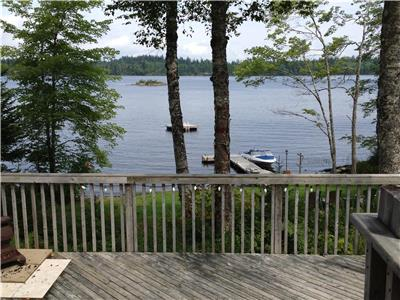 Lakefront Cottage Only 30 min from Halifax