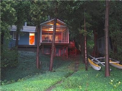 Cottage near Grand Bend-Sandy Beach Lakefront Cottage: Paradise on Lake Huron!