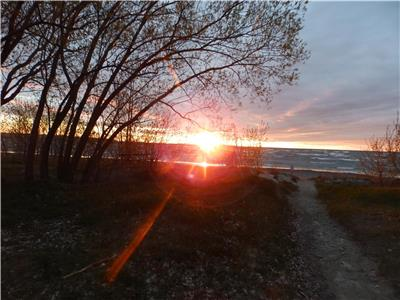 Angels at Wasaga Beach- Collingwood Blue Mountain $500 for a Weekend for 4 Adults with 2 Kids