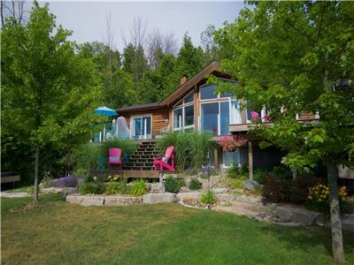 Scip Home- Cottage near Bayfield: When only the best will do! Lake Level, 200 feet of private beach!