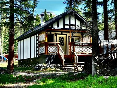 Expanse Cottages in Nordegg, Alberta