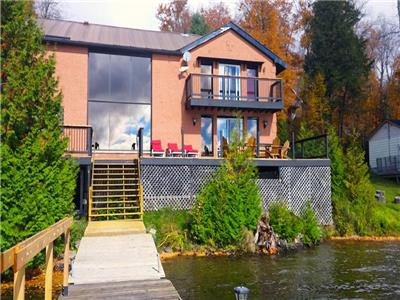 Allen Lake - Grand View - Enjoy spectacular lake views, sauna, hot tub and theatre room