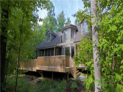 Huron Haven - Large Luxury Family Cottage