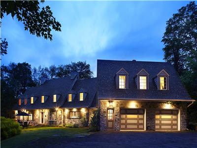 Tremblant Manor 9bdr with private indoor pool & spa