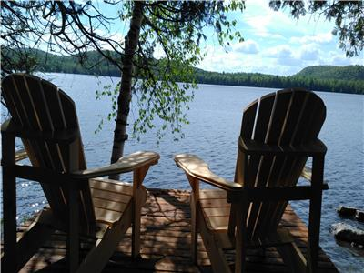 Beautiful cottage on lac Desormeaux with access to lake Heney by canoe / kayak!