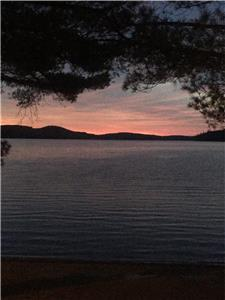 Lake of Bays Cottage~Near Algonquin Park~WIFI,Sat TV,Fireplace,Waterfront,Fire-Pit, Special $1225/wk