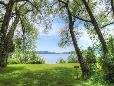 LAKE OF BAYS COTTAGE~Booking September *14 night minimum*