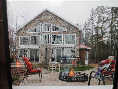 Totally Equipped and Clean Lake Front Cottage located  In Shawville, QC.