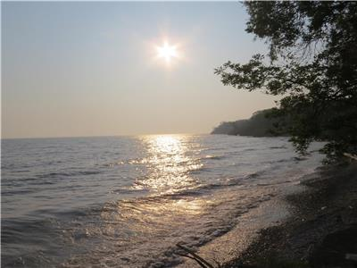 THOMSON LANDING - Lakefront - Privately owned beach with boat launch. 4 Bedroom - 4 Season Cottage