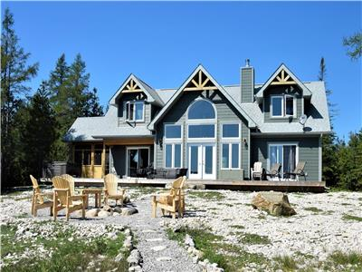 Orchid Trail: Waterfront Post and Beam Cottage on Lake Huron, Tobermory - Hot Tub