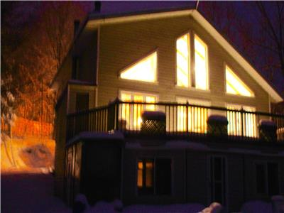Swell Brownsburg Chatham Lanaudiere Quebec Cottage Rentals Interior Design Ideas Ghosoteloinfo