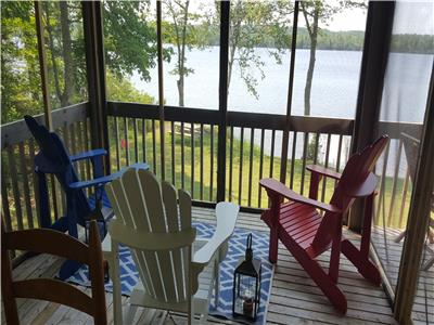 Lakefront year-round 3 bedroom cottage on Murphy Lake