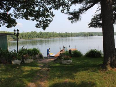Gorgeous in the Fall -  Head Lake | Clean Warm Water | Great Fishing | 100' Level Waterfront