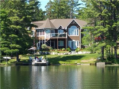 Beautiful Waterfront Home Or Cottage