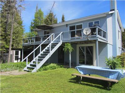 'HURON HIDEAWAY' 4 Bedroom, Waterfront, Laundry, 2 Kayaks