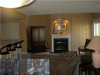 Blue Mtn Sierra Lane 3BED/2.5 BATH SLEEP 6 condo mtn view.SPRING SPEC$500/BOOK SUMMER BY THE WEEK!!