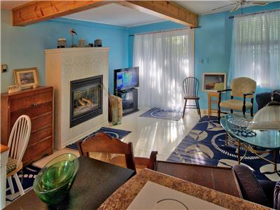 SNUG HARBOUR - GRAND BEND HARBOURSIDE RETREAT