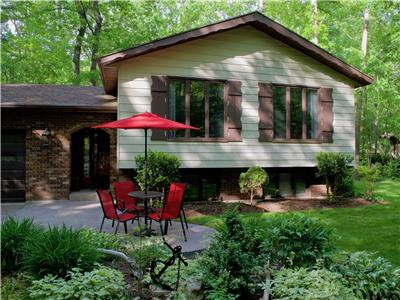 Shady Oaks Cottage, Southcott Pines, Grand Bend: Totally Renovated!
