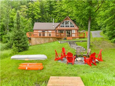 Deep Woods Haven - Escape city life in this secluded waterfront getaway, still only minutes to town!