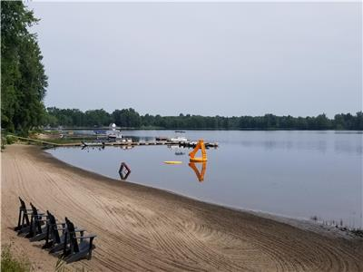 Beachwood Hollow Resort - Gorgeous Sunrise, Sandy Beach, Boat Rentals & 1 - 3 bedroom cottages